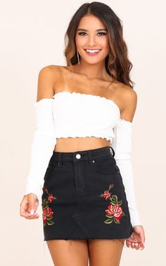 Stay trendy with our super cute Hypnotized Crop. This is a must have basic for any season! You can dress this up with a sexy A-line skirt or you can dress it down for a more casual look with some high waisted mum jeans.