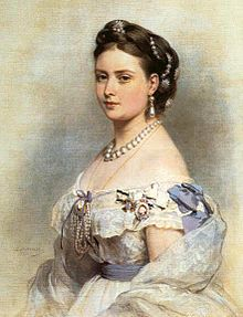 Empress Victoria wearing the Royal Order of Victoria and Albert, as well as the Prussian Luise order (also an order only for women).