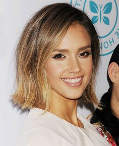 Jessica Alba with an ombré bob and nude lips