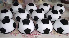Meia bola de isopor para decoração de mesa com tema Futebol !