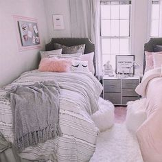 College Dorm Room Makeover with Dormify Pink Bedroom Decor, Bedroom Wall, Bedroom Furniture, Bedroom Ideas, Bedroom Storage, Bedroom Beach, Warm Bedroom, Gold Bedroom, Bedroom Organization