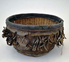 Africa | Basket from Senegal | Fiber, leather and pigment