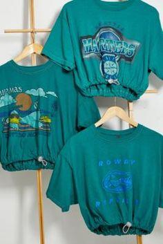 T Shirt Vintage, Earrings Uk, Urban Renewal, Vintage Stil, Urban Outfitters Europe, Vintage Branding, Crew Neck, Teal, Short Sleeves