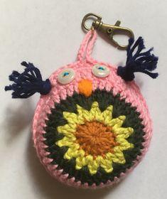 Porte clefs chouette au crochet - Un grand marché Crochet Earrings, Jewelry, Porte Clef, Owls, Jewellery Making, Jewerly, Jewelery, Jewels, Jewlery