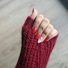 Nails #ChristmasNails #RedNails