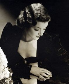 Myrna Loy being fabulous