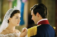Anne Hathaway Engagement Ring In Princess Diaries 2 48 Anne Hathaway, Princess Diaries 2, Wedding Movies, Wedding Book, Diary Movie, Film Mythique, 2nd Wedding Dresses, Bridal Dresses, Royal Engagement