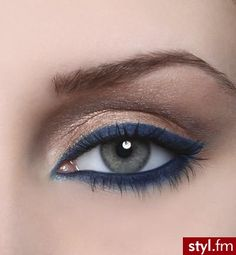 Nude Shadow with Blue Liner!  <3