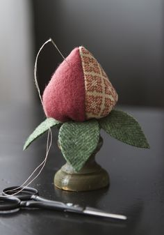 I need to make one of these to keep on my lamp stand while working on my stitching project....how cute! Fabric Crafts, Sewing Crafts, Sewing Projects, Stoff Design, Sewing Box, Sewing Kits, Sewing Rooms, Wool Applique, Knitting Accessories