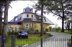 Ein Winkel Haus Als Walmdach Haus In Bayerischen Landhaus Stil Mit Holz
