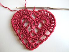 Crochet Heart - Tutorial this is seriously the prettiest crochet heart I have ever seen