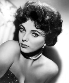 Joan Collins #hollywood #classic #actresses #movies