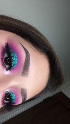 makeup over 55 makeup art makeup zara makeup 4 colors eye makeup tutorial makeup makeup makeup equipment Makeup Eye Looks, Pretty Makeup, Skin Makeup, Eyeshadow Makeup, Blue Eyeshadow, Eyeliner, Eyebrows, Makeup Goals, Makeup Inspo