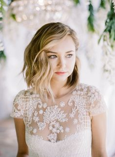 The prettiest tousled lob: http://www.stylemepretty.com/2015/08/27/fashion-to-table-citrus-inspired-wedding-details-with-late-afternoon/| Photography: Rebecca Yale - http://rebeccayalephotography.com/