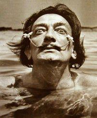 """""""L'unica cosa di cui il mondo non avrà mai abbastanza è l'esagerazione.""""   (Salvador Dalì)"""
