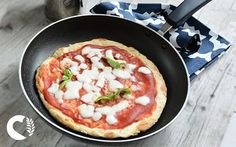 Pizza senza glutine in padella in 15 minuti, è la ricetta ideale per mangiare una buona pizza. Ma non dimenticare l'ingrediente segreto!
