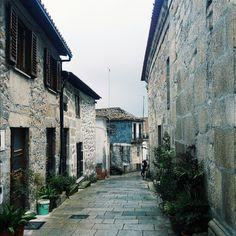 Pied Piper come here - #tabuaço #douro #ilovedouro #portugal #architecture #arquitectura #arquitetura #archilovers #architecturelovers #design #igers_porto #igers_porto_ #igersporto #igersopo #igersportugal #p3top #portoalive #portoponto #portugaldenorteasul #portugalcomefeitos #shootermag_portugal #xposuremag #guardiancities #citigram #mobilemag #igerseurope #wu_portugal #vscocam #vsco #vsco_portugal  spring maio 2016 by cadoeva