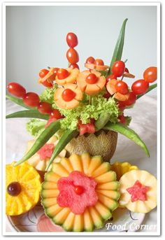 Melon Centerpiece – Garnish Idea