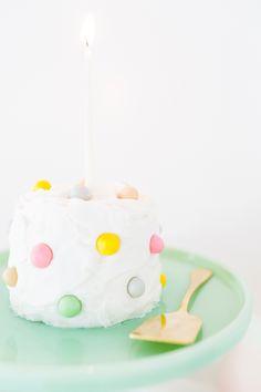 DIY Pom-Pom Cake