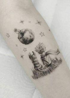 Line Art Tattoos, Mini Tattoos, Body Art Tattoos, Weird Tattoos, Pretty Tattoos, Little Prince Tattoo, Fuchs Tattoo, Prince Tattoos, Father Tattoos