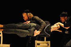 Esta obra israelí le apuesta a una escenografía minimalista. Foto: cortesía Festival Iberoamericano de Teatro.