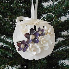 Sand Dollar Crafts for Christmas Seashell Christmas Ornaments, Beach Ornaments, Coastal Christmas, Christmas Crafts, Seashell Art, Seashell Crafts, Seashell Decorations, Shell Flowers, Purple Flowers