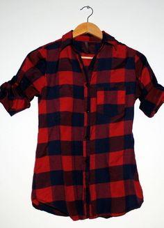 Kup mój przedmiot na #vintedpl http://www.vinted.pl/damska-odziez/koszule/8371534-koszula-w-krate-czerwona-granatowa-s-podwijane-rekawy