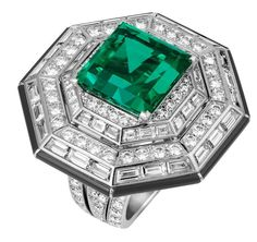 Emerald and many Diamonds