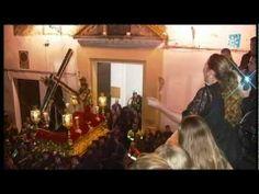 SEMANA SANTA 2012 DE ARCOS (SAETA DE LAURA GALLEGO) -  'Poco a poco la saeta evolucionó, desde parecerse al canto gregoriano a algo distinto, al añadirle los cantaores facetas y tercios de sus cantes preferidos'.