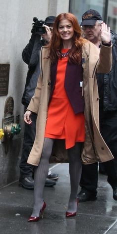 Debra Messing in pantyhose - http://stockings-celebs.blogspot.com/2014/12/dakota-johnson-danity-kane-debra-messing.html
