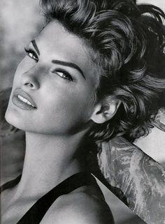 Kenar 1992 Model : Linda Evangelista
