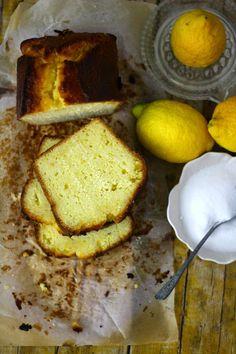 Bolo de Limão, Farinha de Milho e Iogurte