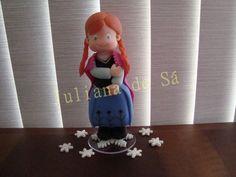 Topo de bolo - Anna (Frozen) Ateliê Juliana de Sá e-mail: julianah.sa@hotmail.com
