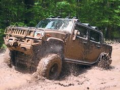 Mud was no match for this Hummer.