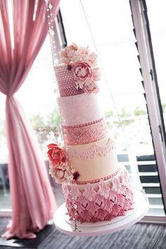 ~ we ❤ this! moncheribridals.com ~ #weddingcake #pinkwedding