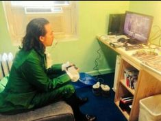 How to properly spend your time off stage by Lin-Manuel Miranda Hamilton Broadway, Hamilton Musical, Theatre Geek, Musical Theatre, Theater, Lin Manual Miranda, Hamilton Lin Manuel Miranda, Hamilton Fanart, Nerd