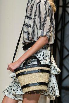 Le Sac, C'est Chic: The Best Bags from Paris Fashion Week Spring 2014 Catwalk Fashion, Fashion Beauty, Paris Fashion, Current Fashion Trends, Celebrity Red Carpet, Best Bags, Spring 2014, Fashion Pictures, Fashion Advice