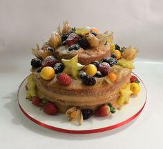 Naked Cake para Valeria. Em 28/03/2015.
