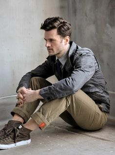 Awesome chinos!!! The detail in the cuff is awesome.