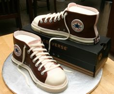 Converse Shoe Cake Wish I was this talented! This would be PERFECT for Lias!