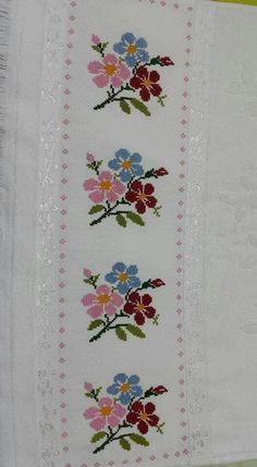 This Pin was discovered by nes Cross Stitch Borders, Cross Stitch Rose, Cross Stitch Flowers, Modern Cross Stitch, Cross Stitch Designs, Cross Stitching, Cross Stitch Embroidery, Cross Stitch Patterns, Hand Embroidery Design Patterns