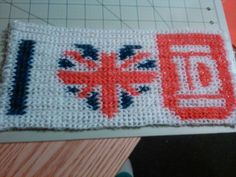 One direction rainbow loom thingy!!!!!!
