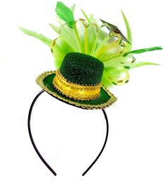 Buy st Patrick's mini hat feathered headband at good price. This KINREX St. Patrick's feather headband is made with high quality materials. Black Headband, Feather Headband, Pranks For Kids, Baskets, Irish Decor, Green Glitter, Childrens Party, Leprechaun, Mesh Fabric