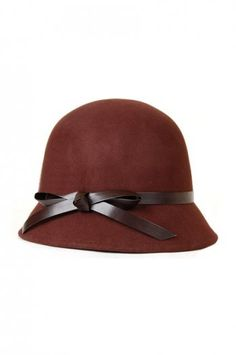Need a vintage hat to match my high tea dress! Maybe with ribbon from dress around hat?