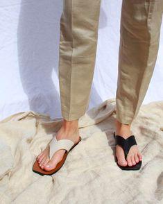 Stylish Sandals, Birkenstock Mayari, Leather Mules, Leather Design, Best Brand, Soft Leather, Cool Girl, Flip Flops, Slippers