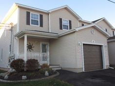 Beautiful well maintained 3 bedroom Condo in Dieppe