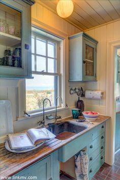 Adorable kitchen with a view of the ocean - 150 Eastchop Drive