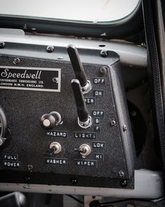 ʜᴀʀᴜさんはInstagramを利用しています:「Dash panel* ライト、ワイパーのスイッチに手が届かなかったんでこちらへ移設です。 工場扇は会社で捨てられかけてたのを貰ってきて、羽だけ新調して使ってますよ😗 #jpmini #minisofinstagram #classicmini…」 Red Mini Cooper, Road Rally, Triumph Spitfire, Classic Mini, Old Cars, Control Panel, Motors, Instruments, Bicycle