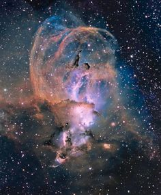 NGC 3576 (also known as The Statue of Liberty Nebula and ESO 129-EN5) is a bright emission nebula about 100 light-years across, located some 9000 light-years away in the Sagittarius arm of our Milky Way in the constellation Carina.