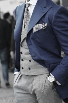 matching vest and pants + colored jacket = delish. :) kerchief, watch, & tie = sweet icing on top. :q